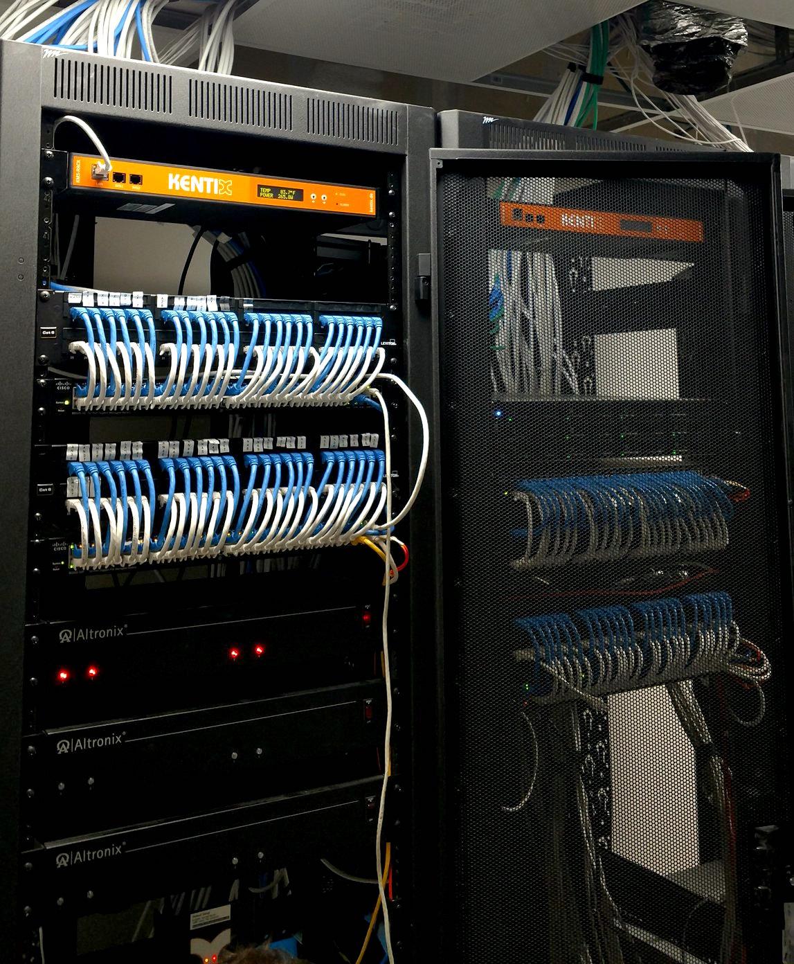 Effektives IT-Rack Monitoring mit nur einem System