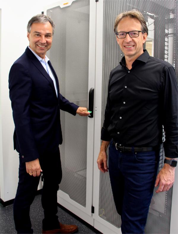 Gerd Simon und Thomas Fritz im neuen Kentix Showroom